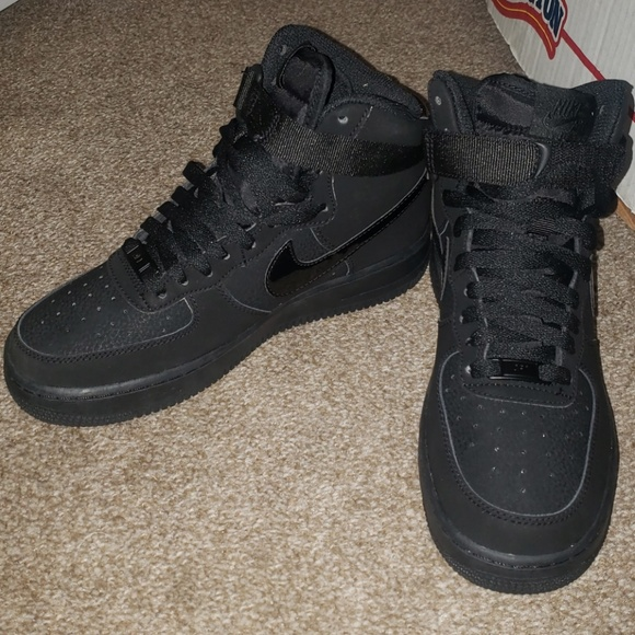buy online a509c 7fde7 All Black Nike Air Force 1 High Top NWT